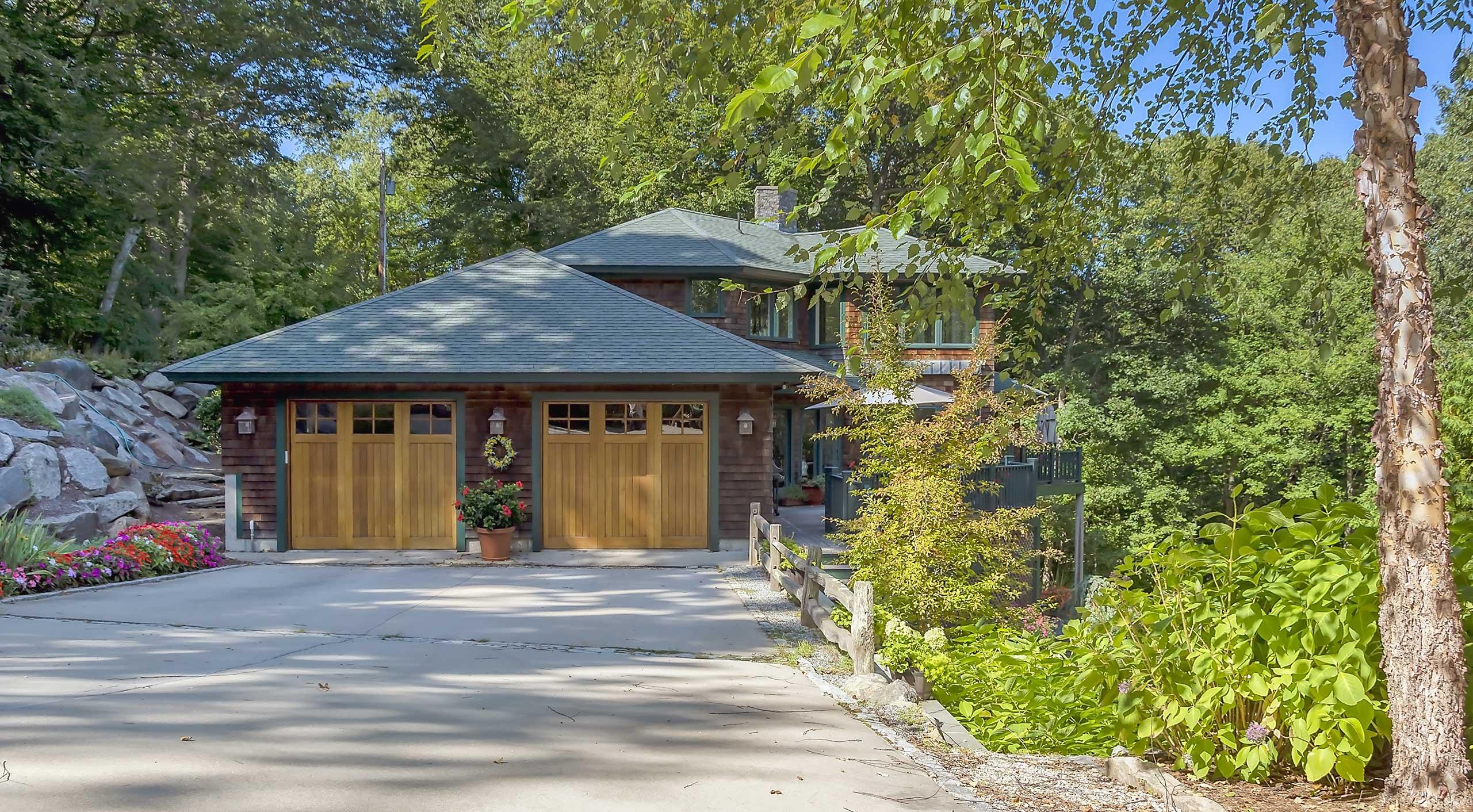 Stephen-Sullivan-Inc-Custom-Home-Builders-Rhode-Island-Slope-Side-Retreat-Feature